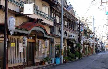 あいりん地区 売春 西成区 大阪西成ドヤ街「あいりん地区」の今…売春・闇市・暴動など、危険な実態とは?